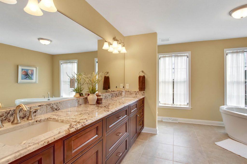 JLH CUSTOM HOME-Master Bathroom