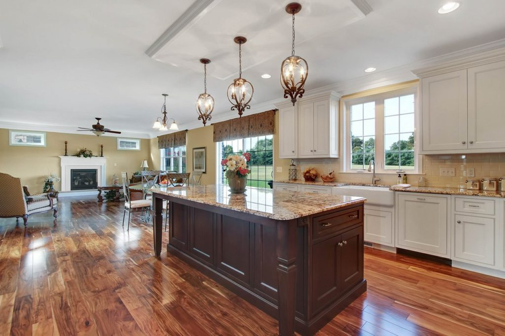JLH CUSTOM HOME - Kitchen with custom cabinetry